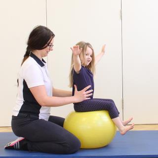 chiropractic untuk anak anak dengan biomechanical therapy 10042238295